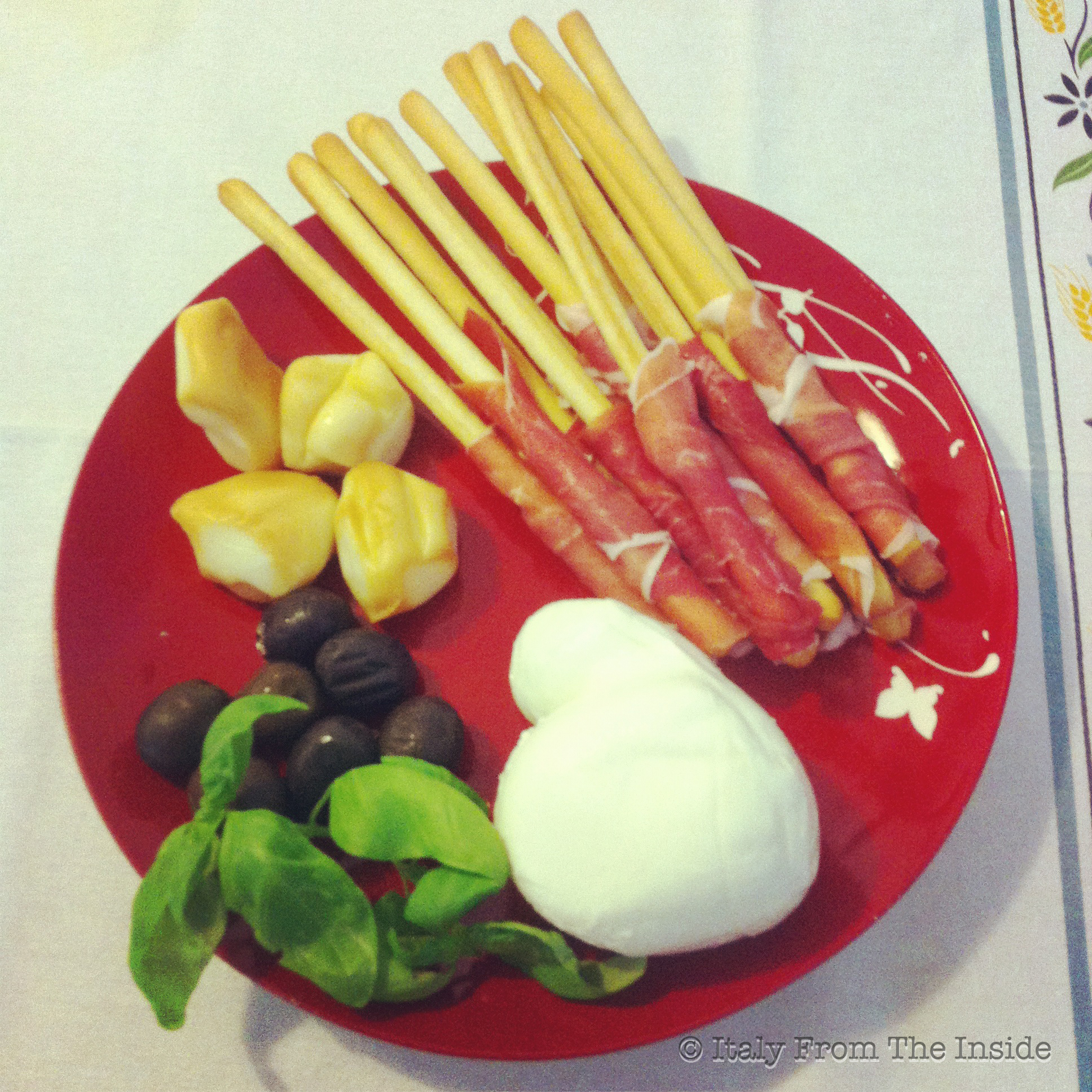 Antipasto prosciutto e mozzarella- Italy From The Inside