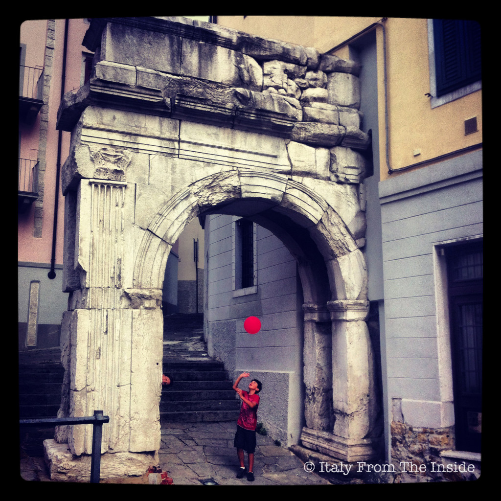 Arco di Riccardo-Italy From the Inside