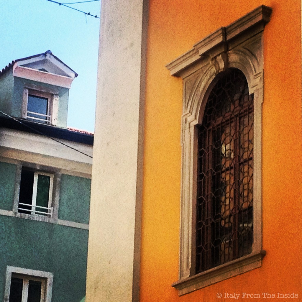 Houses of color- Italy from the Inside