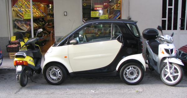 How easy is to park in Italy?