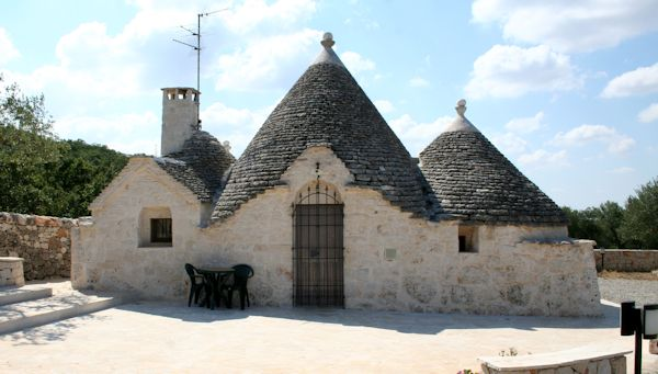 "Discover Puglia, the region of Trulli and the ""burrata"""